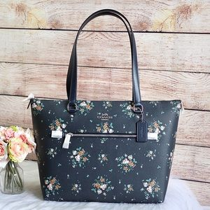 🐳COACH Rose Bouquet Gallery Tote